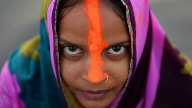 141230144807_religion_hindu_woman_464x261_bbc_nocredit